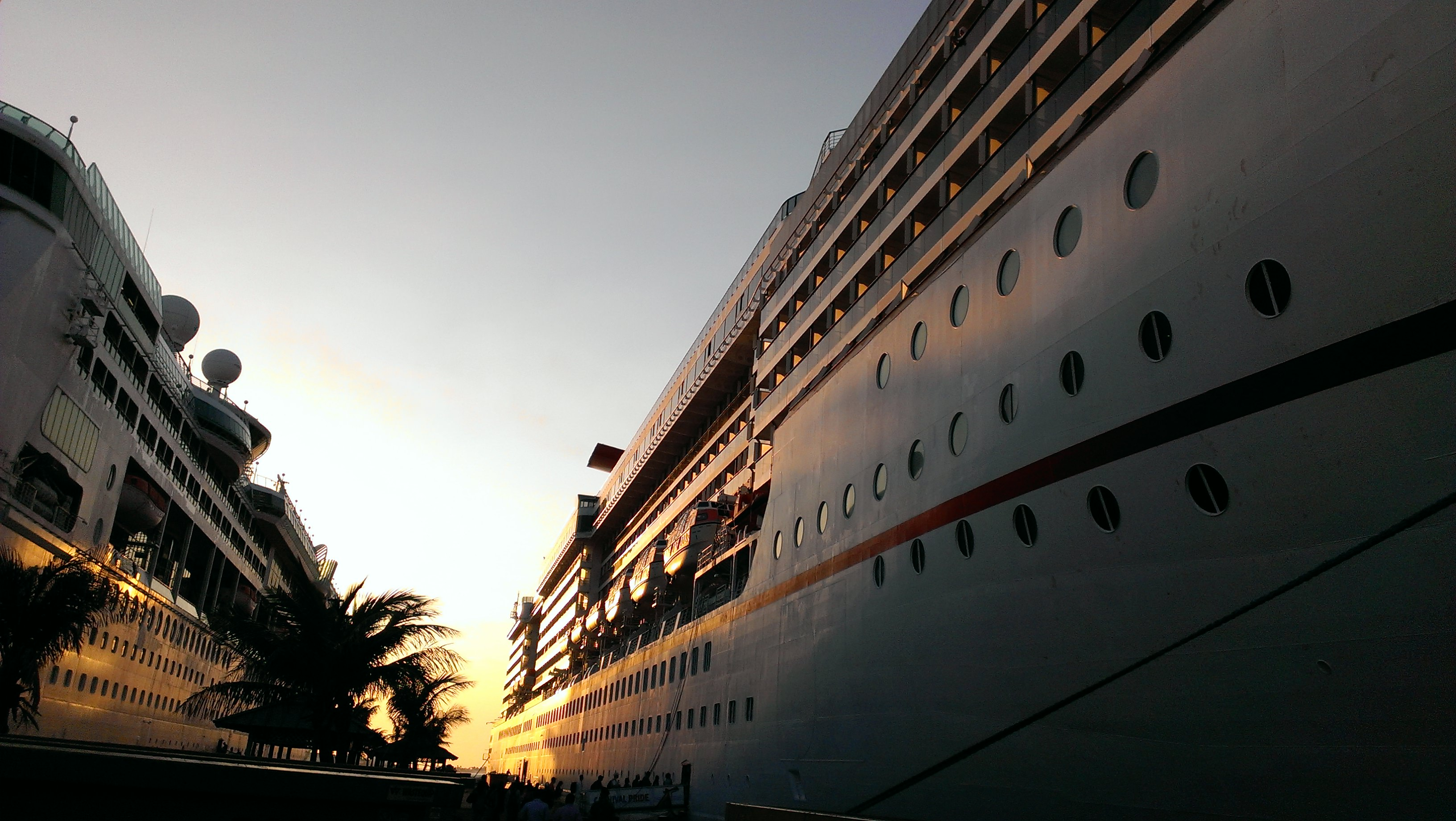 travel packing checklists cruise ship family vacation